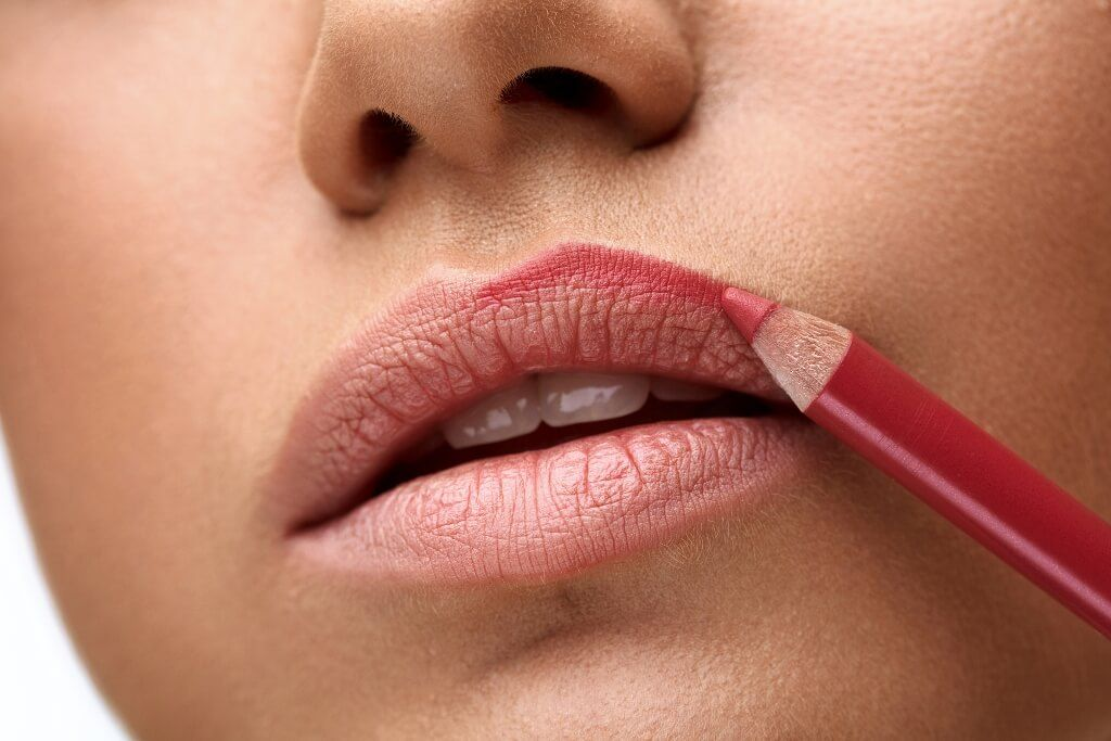 How to Apply Lip Liner - Funky Colour