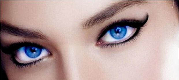 extended-eye-liner-touch-eye-shadow