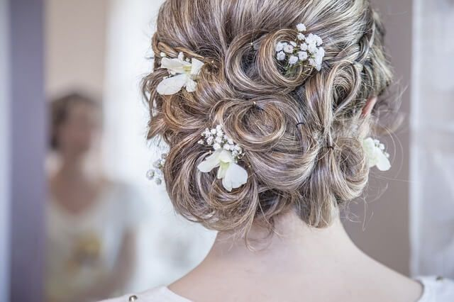 hairs-with-the-beautiful-accessories